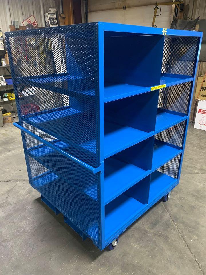 Order picker with shelves